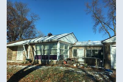 401 North Elmhurst Avenue - Photo 1