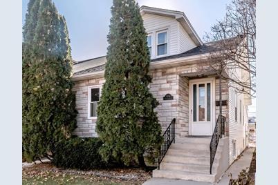 5936 North Leonard Avenue - Photo 1