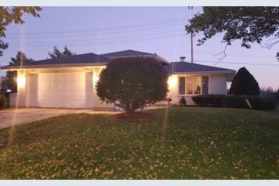 8691 Ailsworth Drive - Photo 1