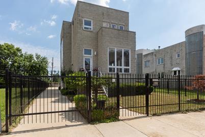 4339 South Oakenwald Avenue - Photo 1
