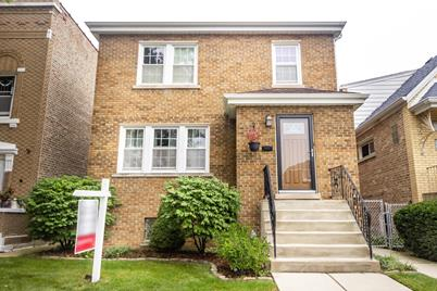 1629 Clarence Avenue - Photo 1