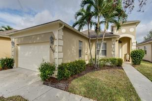 8700 Ibis Cove Cir - Photo 1