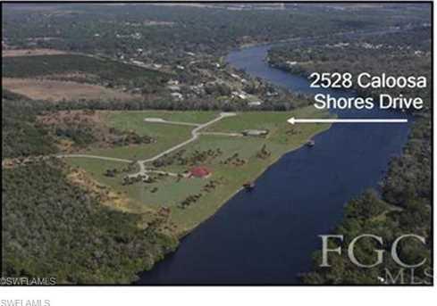 2528  Caloosa Shores Dr - Photo 2
