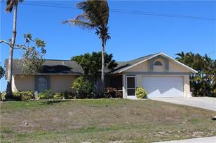 2810 NW 2nd Pl - Photo 1