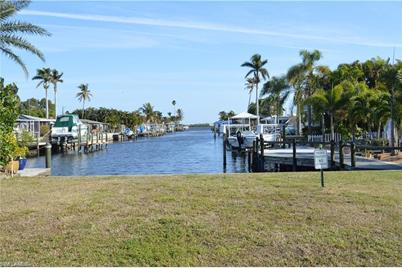11742  Island Ave - Photo 1