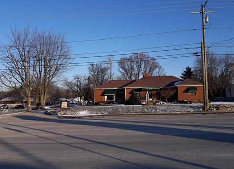 1136 Mt Vernon Avenue - Photo 2