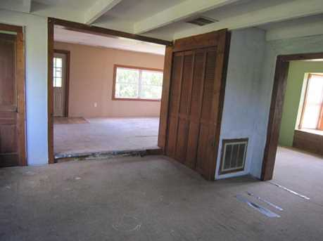23049 Raymond Road - Photo 4