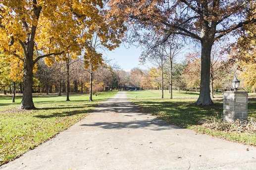 8260 Greentree Drive - Photo 2