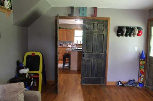26081 Armstrong Rd - Photo 4