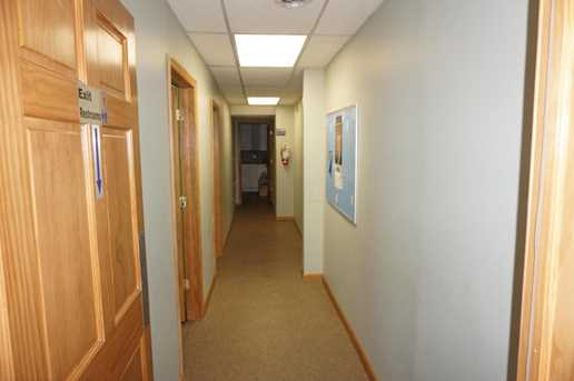 500 N Maple Street - Photo 6