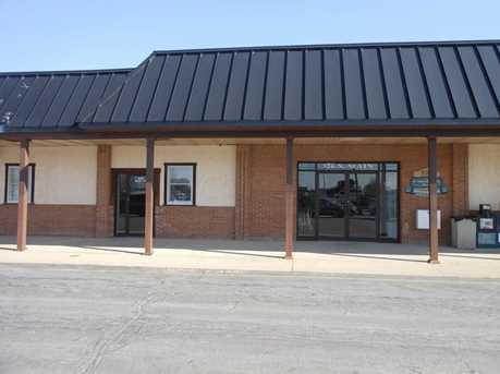 324 N Main St - Photo 2