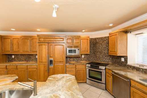 8071 Olentangy River Road - Photo 10