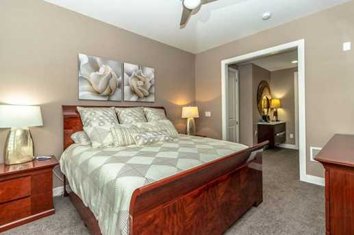 500 S Parkview Ave #308 - Photo 18