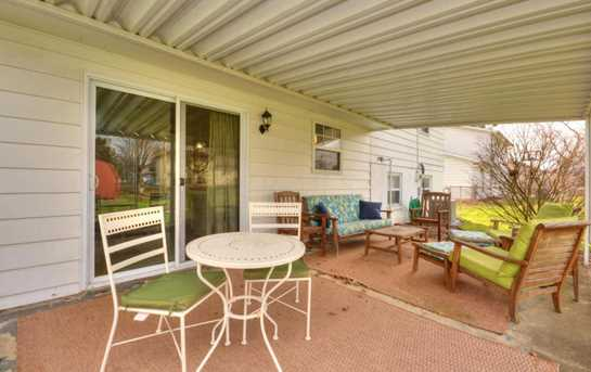 632 Moull Street - Photo 24