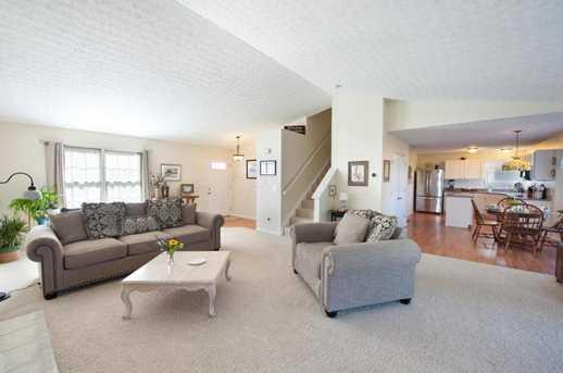 8573 Olenbrook Drive - Photo 6