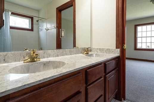 4060 Berrywood Dr - Photo 24