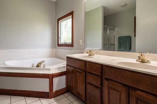 4060 Berrywood Dr - Photo 18