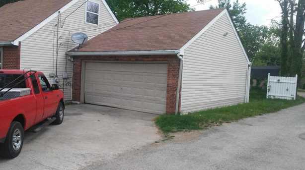 488 Parkwood Ave - Photo 2