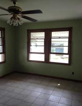 160 Linden Ave - Photo 12