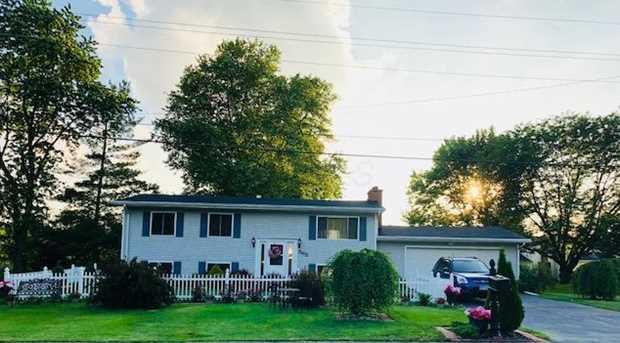 565 Edgewood Drive - Photo 1