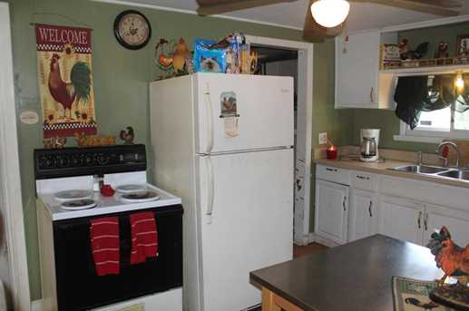 397 S Oakley Ave - Photo 4