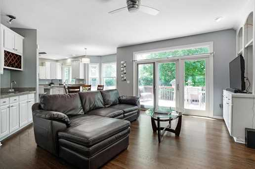 1347 Dunrovin Dr - Photo 4