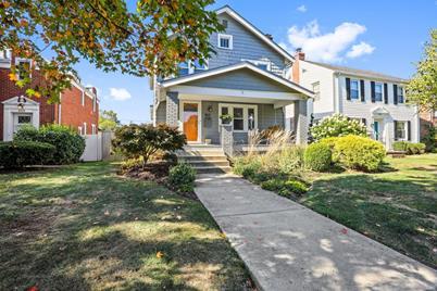 863 Montrose Avenue - Photo 1