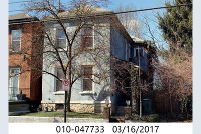 915 S Front Street - Photo 1