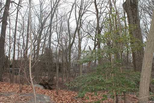 140 Sterling Road - Photo 4