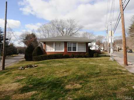111 Old White Plains Road - Photo 2