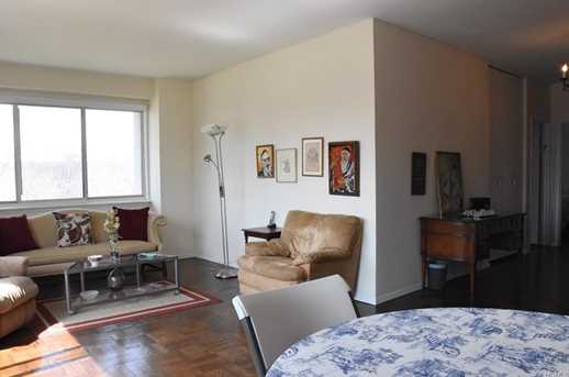 3671 Hudson Manor Terrace #1K - Photo 4