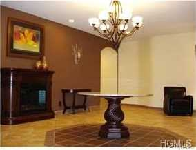 5 Oakdale Manor #B22 - Photo 2