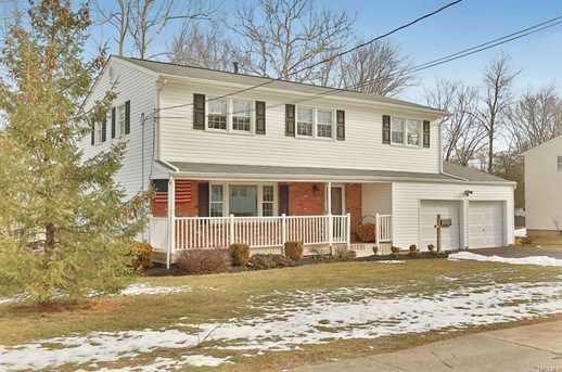 blauvelt singles Blauvelt beauty drive down the quiet cul de sac of beauti (hgmls) sold: 5 bed, 3 bath, 2851 sq ft house located at 8 pvt del regno ct, blauvelt, ny 10913 sold for $775,000 on nov 14, 2017.