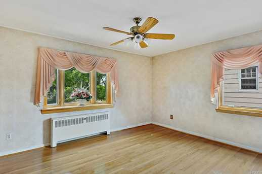 2561 Eastchester Rd - Photo 16