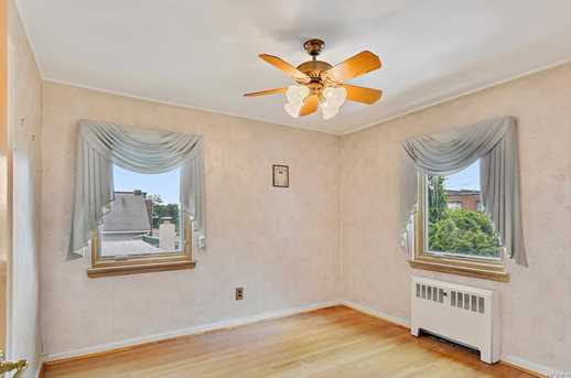 2561 Eastchester Rd - Photo 18