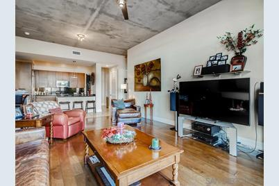 527 10th Ave 205 - Photo 1