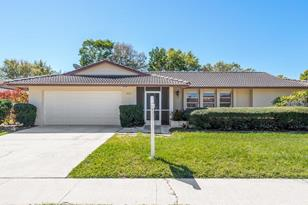 2920 Captiva Dr - Photo 1