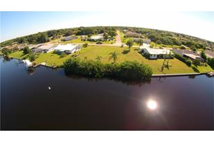 372 E Tarpon Blvd Nw - Photo 1