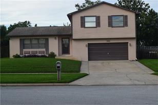 102 Grovewood Ave - Photo 1