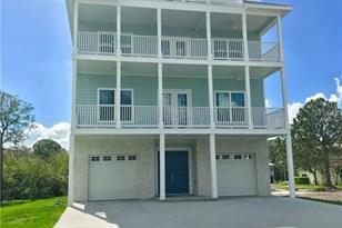 422 Oceanview Ave - Photo 1