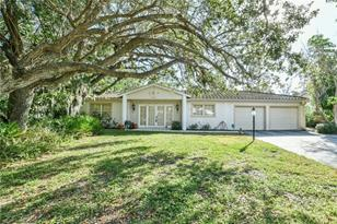 620 Buttonwood Dr - Photo 1
