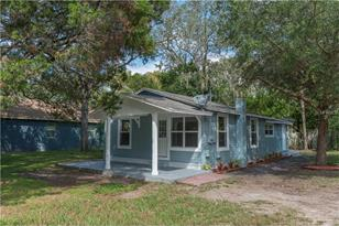 7301 N Orleans Ave - Photo 1