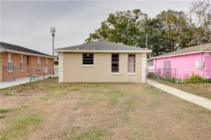6724 N Clearview Ave - Photo 1