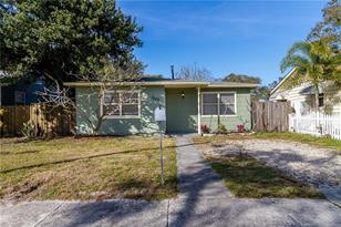 1229 35th Ave N - Photo 1