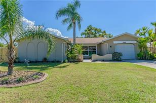 5824 Riddle Rd - Photo 1