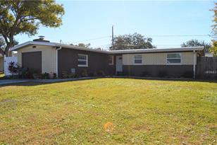 8804 79th Pl N - Photo 1
