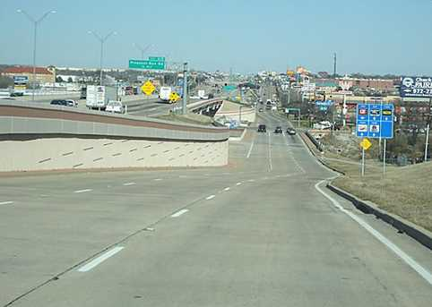 630 S Interstate 35 Highway E - Photo 4