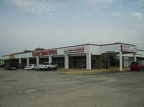537 W Commerce Street W - Photo 2