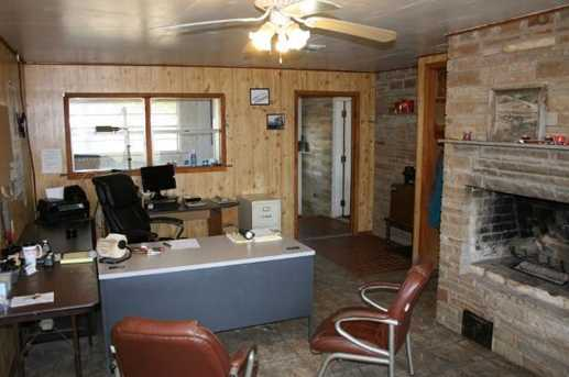 5196  Blue Flat Road - Photo 16
