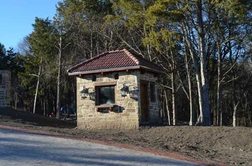 4031  Waters Edge Drive - Photo 4
